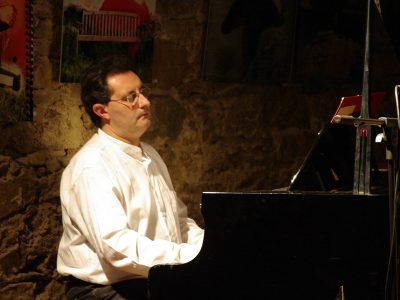 Pianista para todo tipo de eventos y actividades.